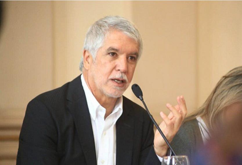 La millonada que se ha gastado Enrique Peñalosa en viajes