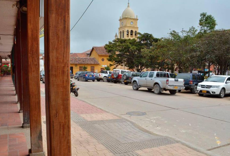 Decretarán toque de queda en Cundinamarca  | Alerta Bogotá