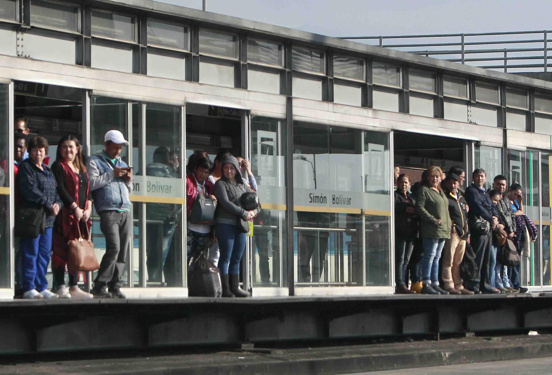 Bus de TransMilenio atropelló a peatón de 50 años en la Caracas y lo dejó muy grave