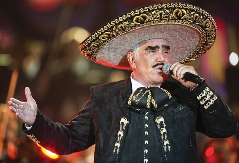 Vicente Fernández, 'El hijo del pueblo', llega a los 80 años