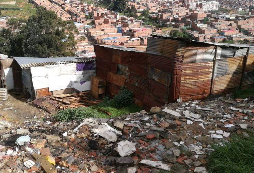 En Ciudad Bolívar perdieron sus casitas por deslizamientos