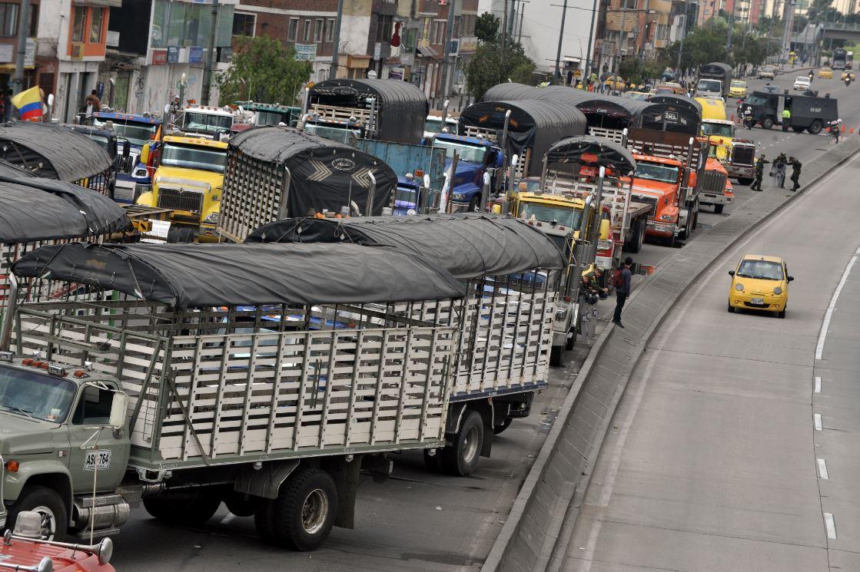 Parroquiano murió al ser atropellado por camión en la vía Bogotá - Mosquera