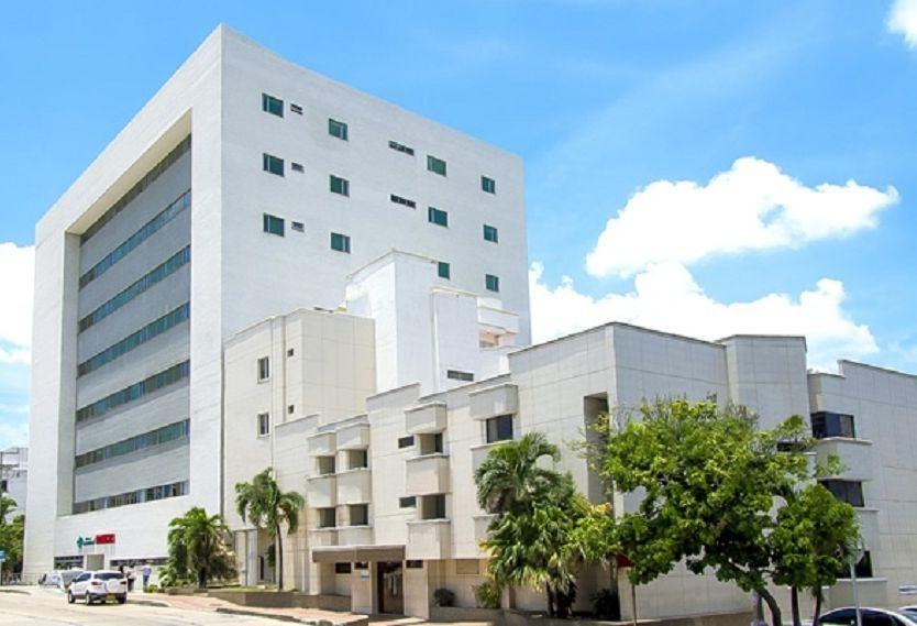 En columna de fuego quedó convertida Clínica La Merced de Barranquilla