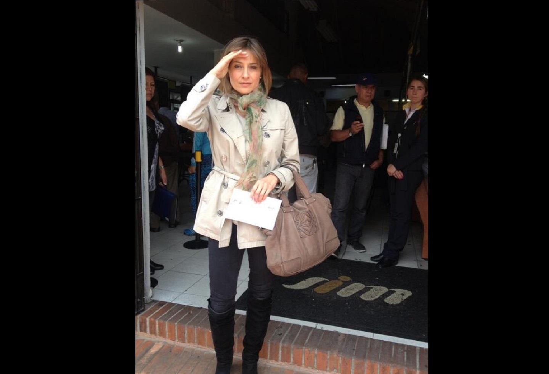 Famosa presentadora fue víctima de los amigos de lo ajeno en un semáforo de Bogotá