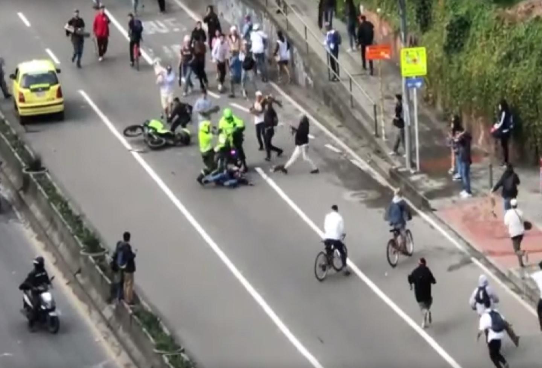 Continúa la polémica: Revelan nuevos videos de policías arrollando a 'skaters'
