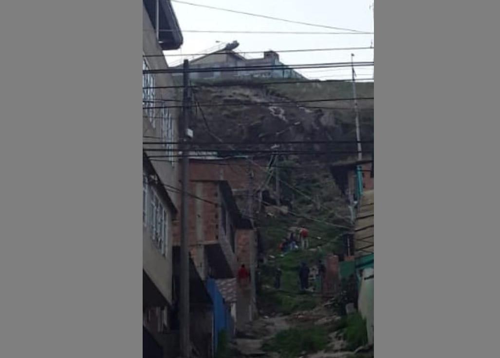 Unas 280 familias de Ciudad Bolívar están en grave riesgo, por grieta en cerro