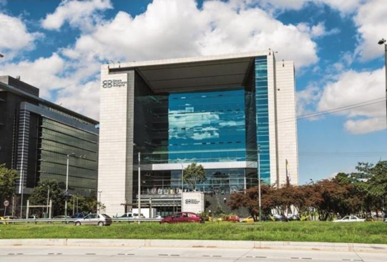 Fachada del edificio de la Cámara de Comercio de Bogotá