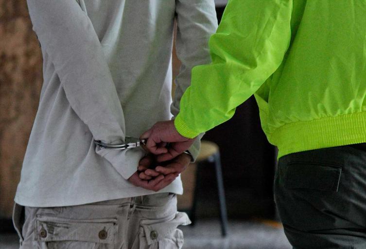 Autoridades detienen a delincuentes reincidentes.
