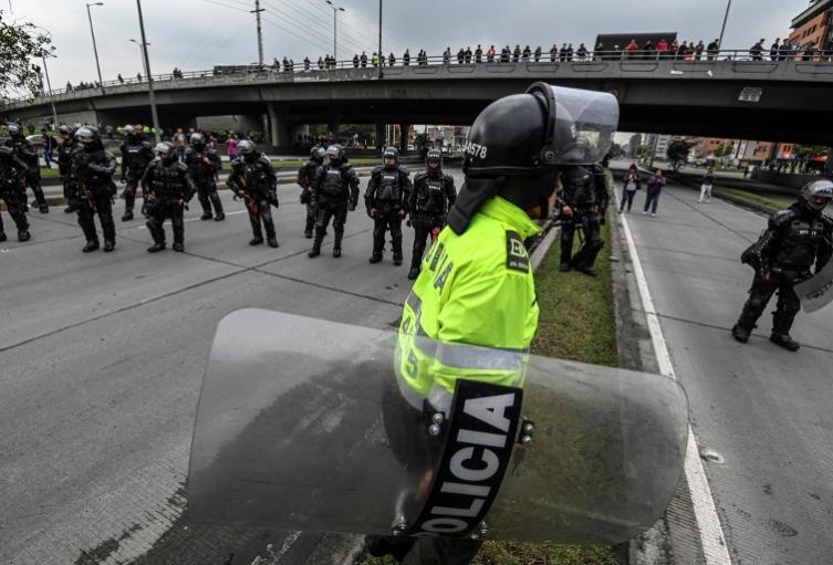 Policía durante las marchas en Bogotá