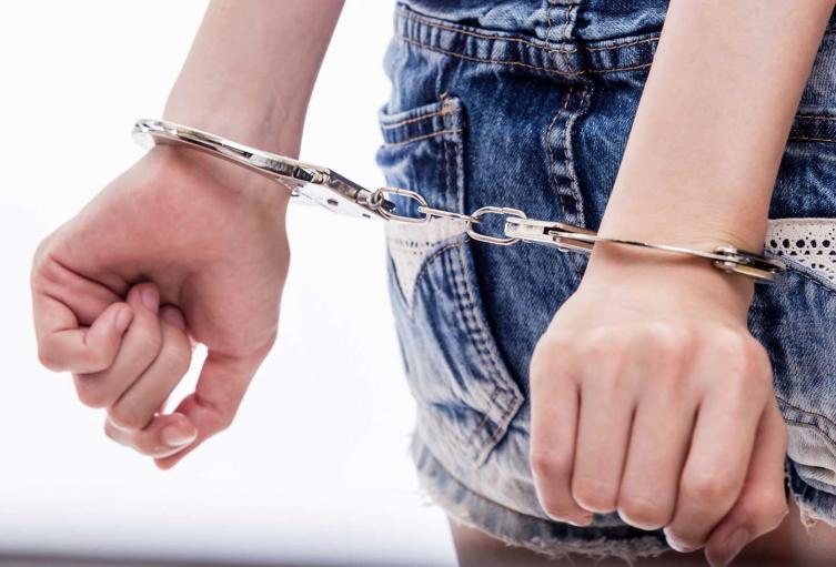 Mujer en embarazo fue esposada por la policía de Nueva York