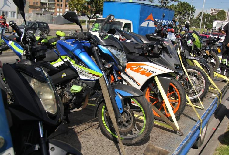 Motocicletas parqueadas
