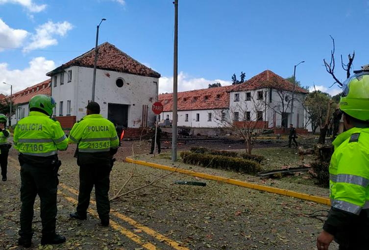 La Escuela General Santander, en Bogotá, tras el atentado del 17 de enero de 2019