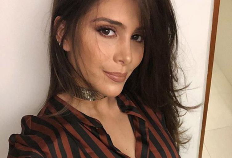 La cantante llevaba bastante tiempo sin publicar una de sus sensuales fotografías en vestido de baño.