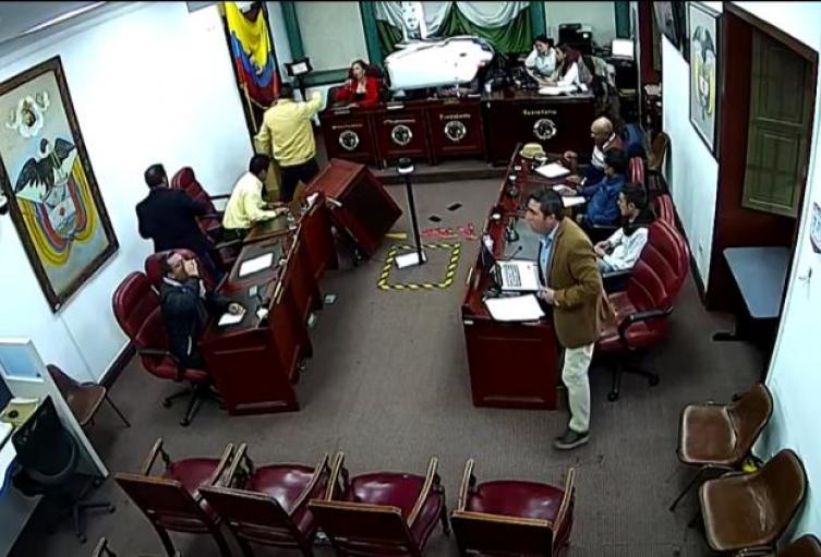 Concejal de Chocontá habría agredido a dos mujeres colegas en el recinto