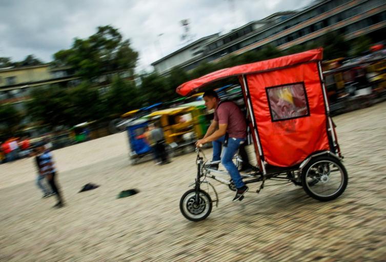 El censo de los bicitaxistas en Bogotá lo adelanta la Secretaría de Movilidad.