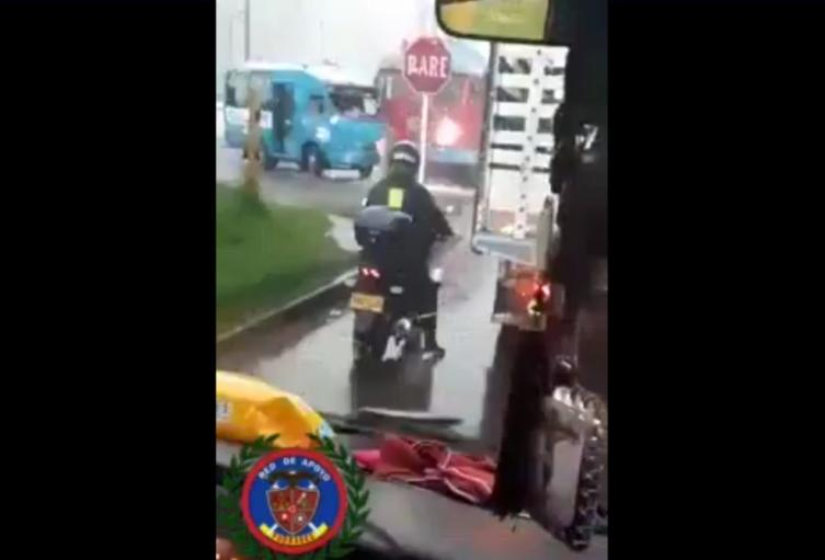 Bus estrellado por un tren en Paloquemao