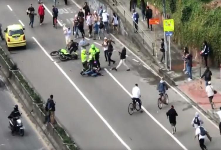 Policía atropelló a civil en Bogotá