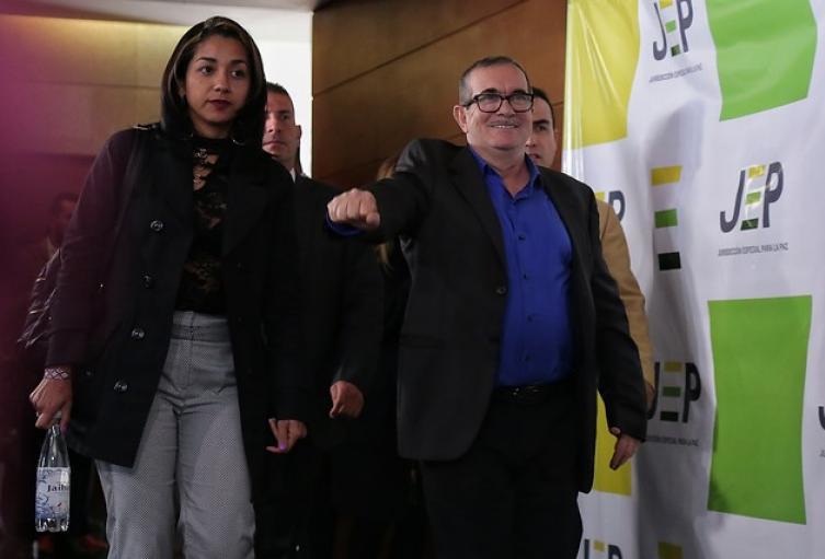 'Timochenko' acompañado de Jhoana Castro, la madre de su hijo.