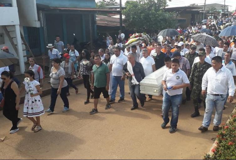 Sepelio de la niña Sharick Alejandre en El Retorno Guaviare