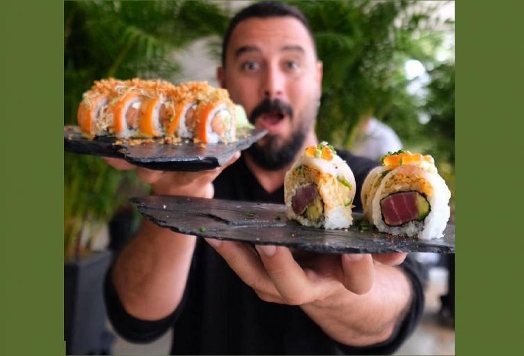 Tulio y el Sushi Master en Colombia.