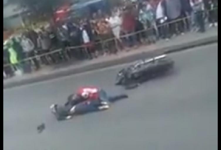 Mujer motociclista muere