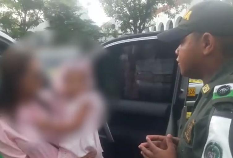 Las autoridades lograron rescatar a la menor de edad gracias a una llamada de los vigilantes de la zona.