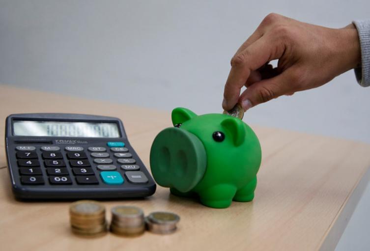 ¿Educación financiera debería ser obligatoria en colegios?