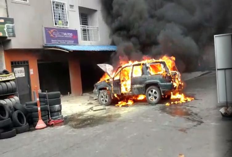 Explosión de carro en Cali