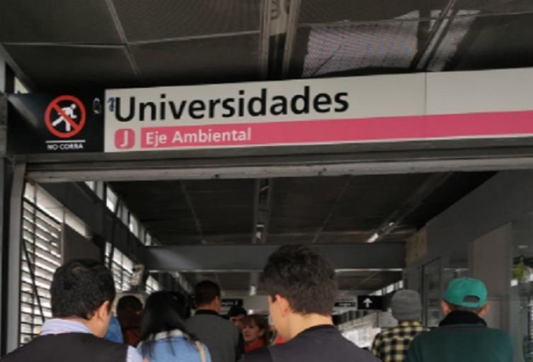 Transmilenio / Estación Universidades