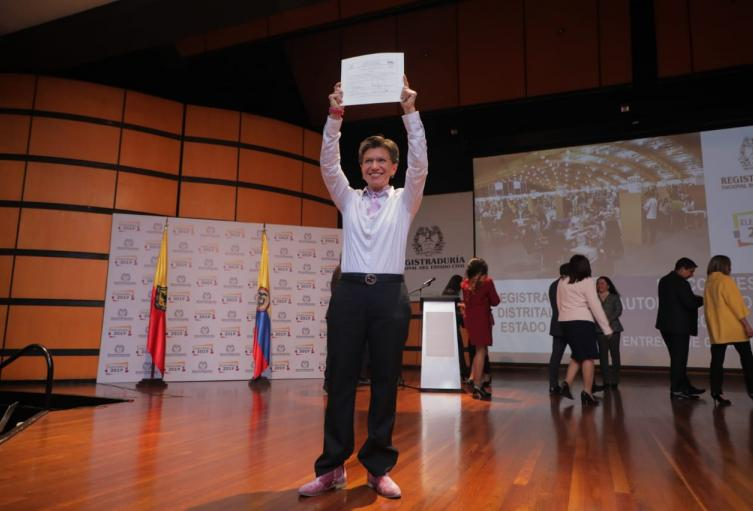 Claudia López recibe su credencial como alcaldesa electa de Bogotá