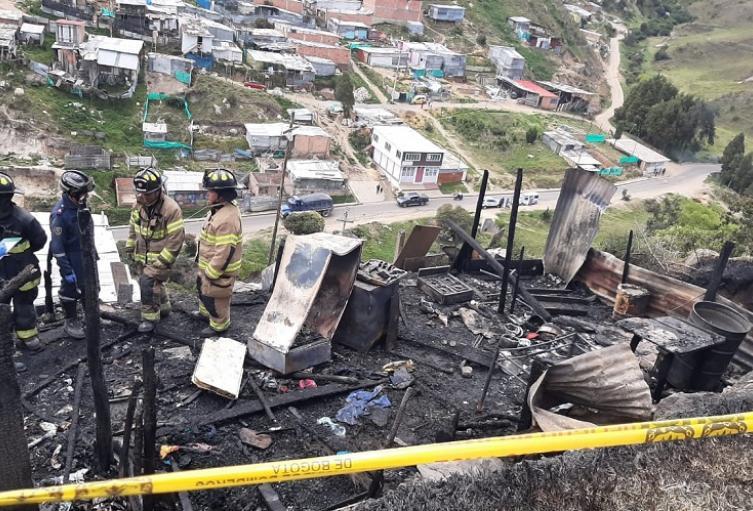 Se quema casa en Ciudad Bolívar