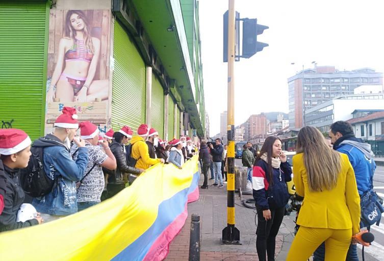 'Cadena Humana' de comerciantes de San Andresito, en protesta por el paro nacional.
