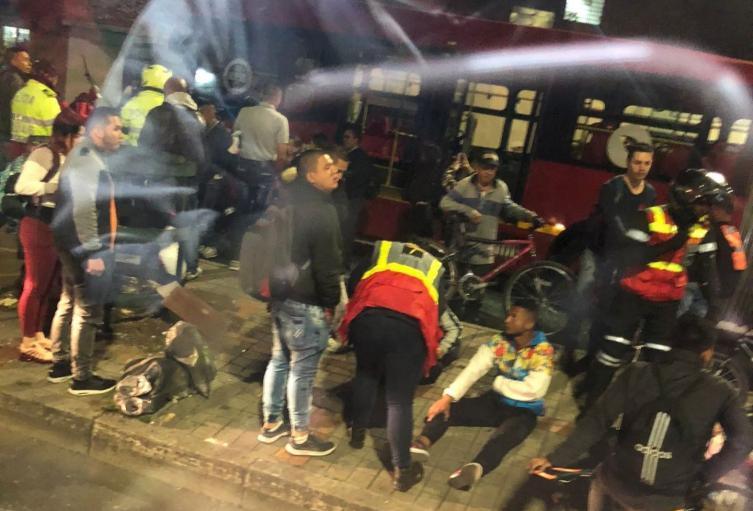 Accidente de dos buses de Transmilenio en el Olaya