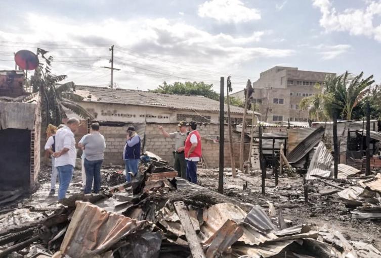 Casas quemadas por pelea entre vecinos