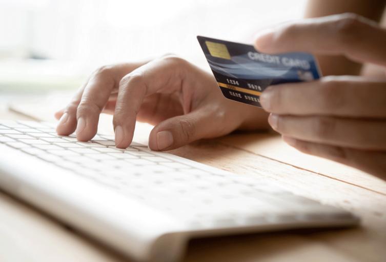 Transacción online con tarjeta de crédito