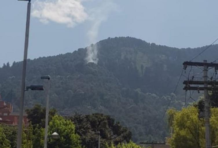 Incendio forestal en los cerros orientales