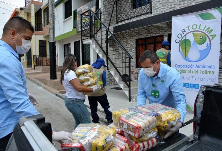 Las ayudas serán destinadas para entregar 126 mercados a un grupo de recicladores de la comuna 8 de Ibagué