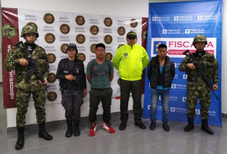 Los presuntos guerrilleros fueron detenidos en Bogotá