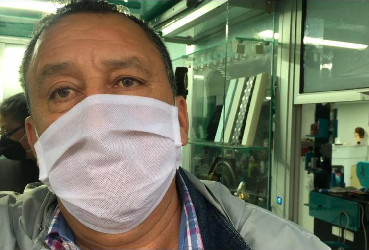Edgar Bernal, comerciante de Bogotá.
