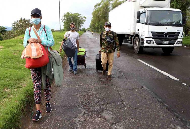 Nos dieron la espalda: venezolanos que regresan a su país