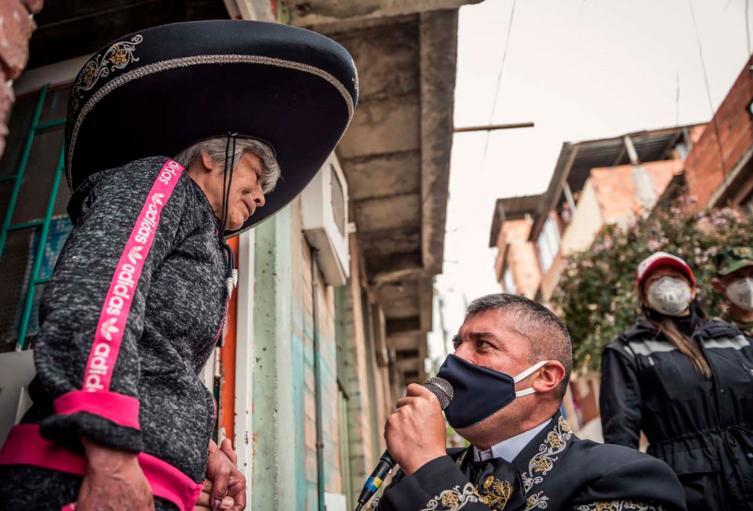 Serenata a abuela en Ciudad Bolívar