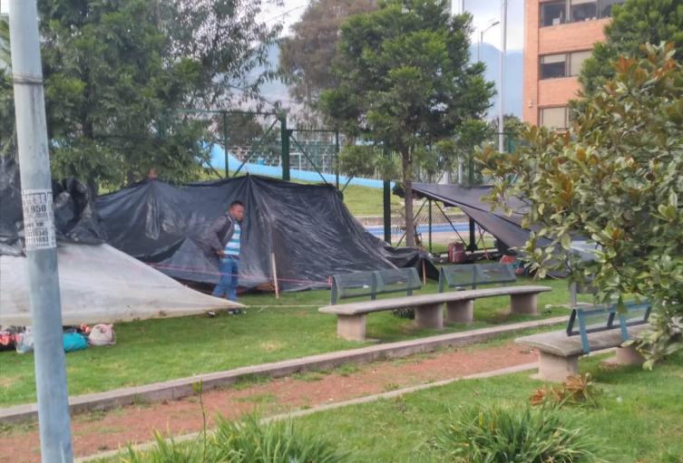 Indígenas Embera en Parque Tercer Milenio en Bogotá.
