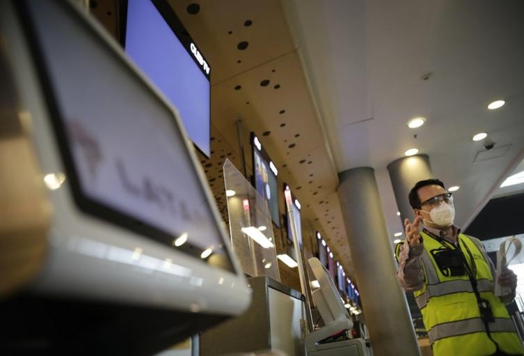Protocolos de bioseguridad en aeropuerto El Dorado