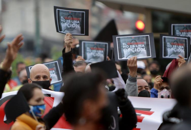 Protestas de comerciantes paralizan a Bogotá