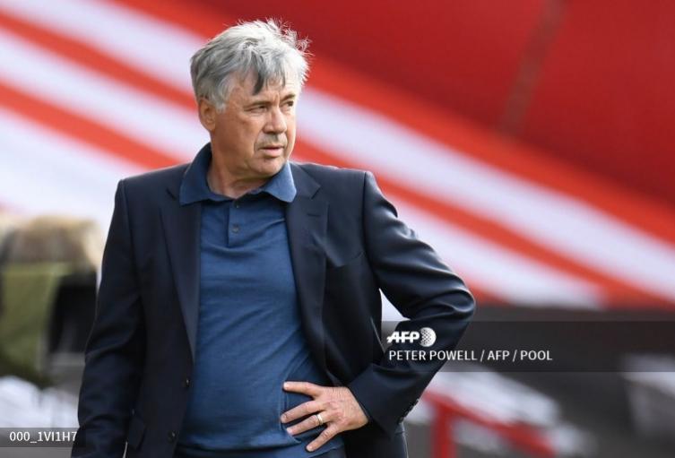 Ancelotti, técnico del Everton