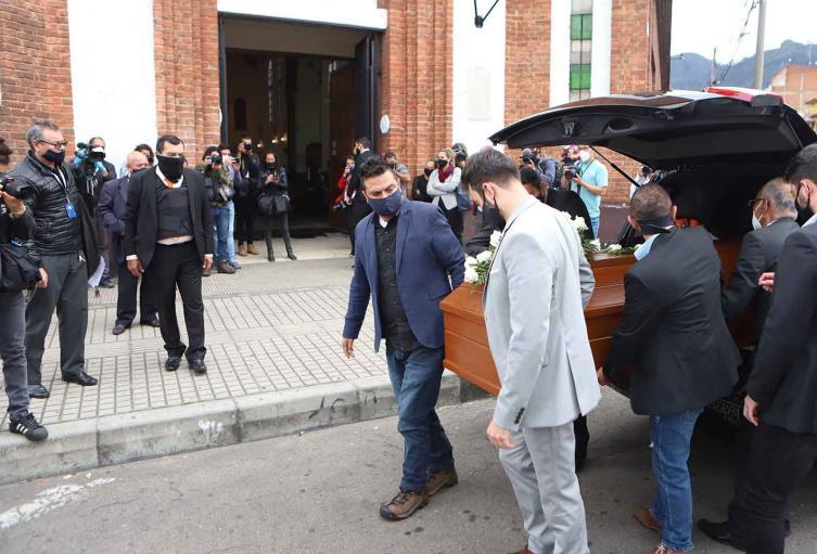 Javier Ordóñez: su sepelio fue entre peticiones de sus familiares de justicia