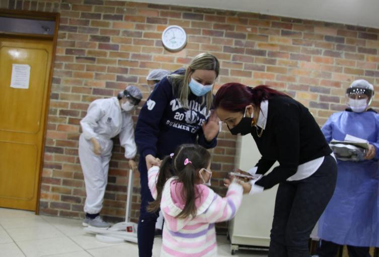Menores de edad en riesgo de desnutrición en Bogotá