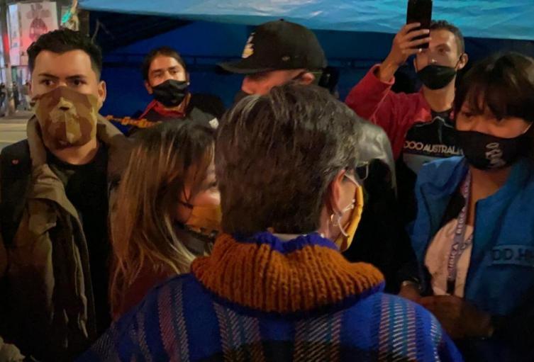 Claudia López en el homenaje a Dilan Cruz