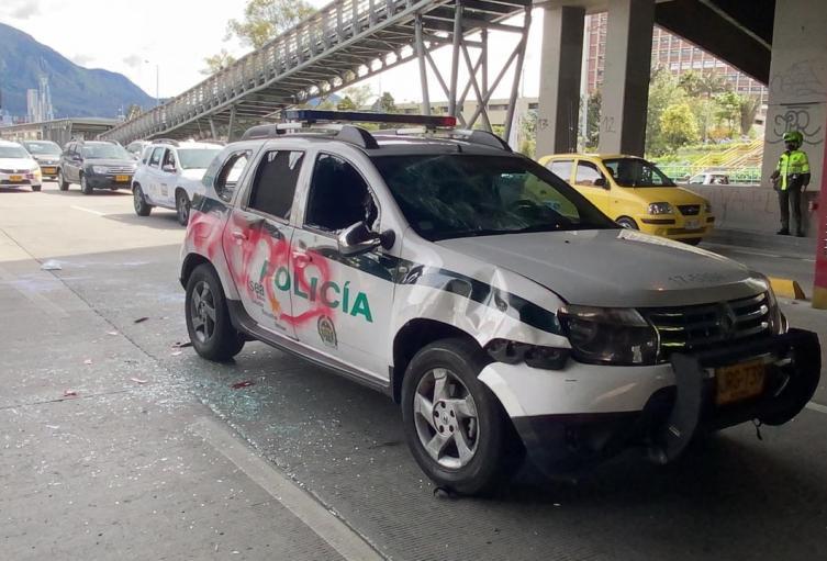 Carro de Policía vandalizado