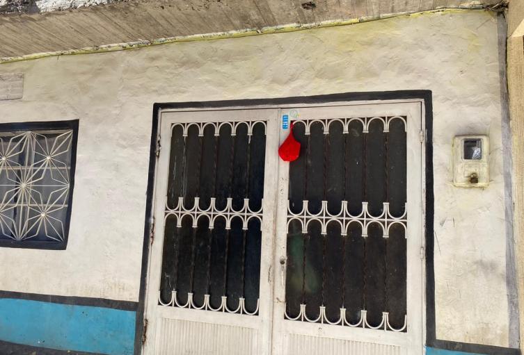 Nuevamente distintivos rojos vuelven a las puertas de familias vulnerables